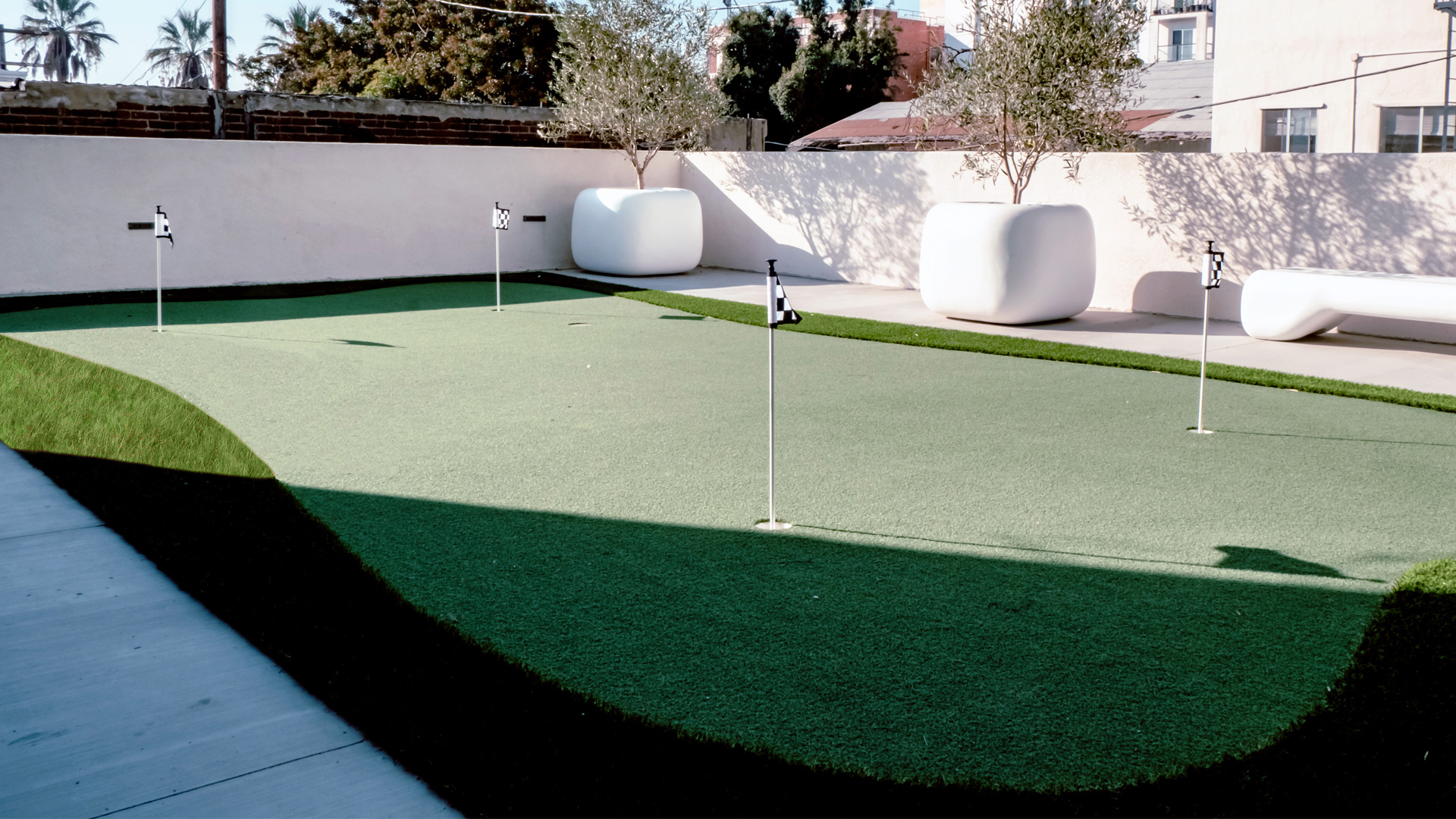 audrey-apartments-mini-golf